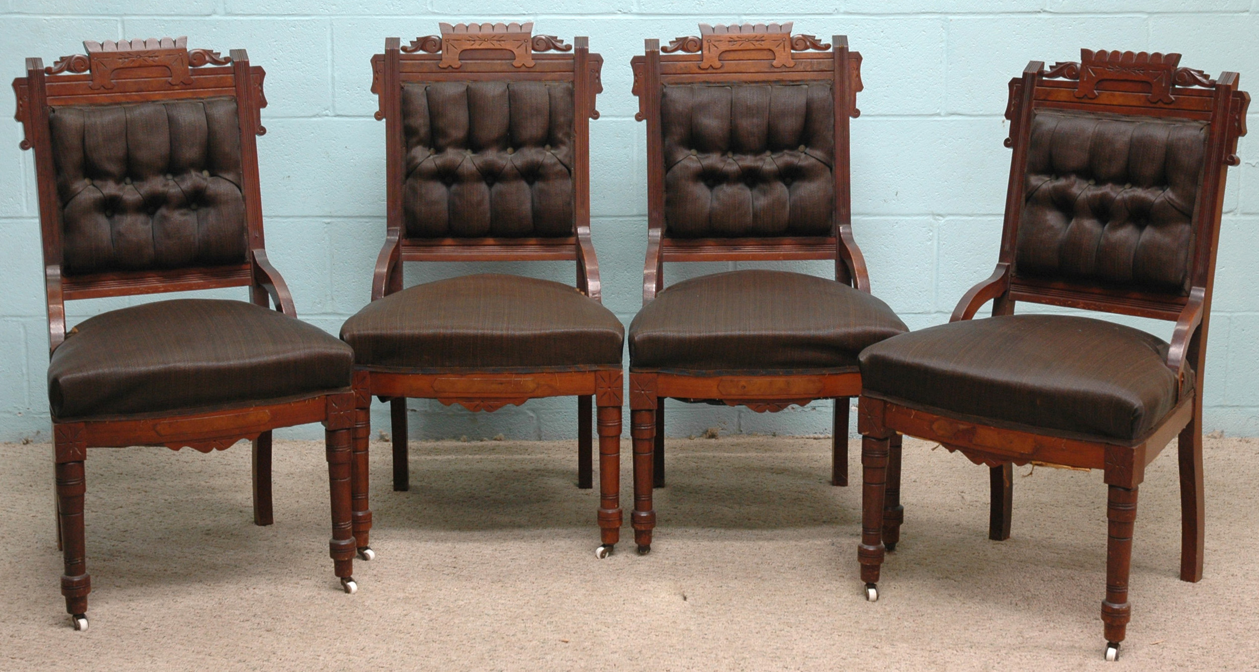 Peachy A Late 19Th Century Seven Piece Victorian Eastlake Walnut Short Links Chair Design For Home Short Linksinfo