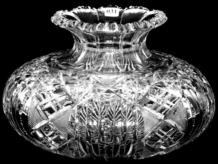 Large American Brilliant Cut Glass Flower Center Vase Hobstar Chain